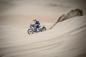 On the road again for Stage Ten of Dakar